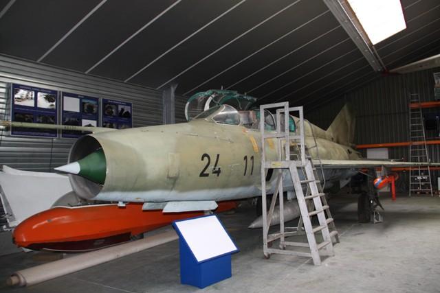 MIG-21-UM-3