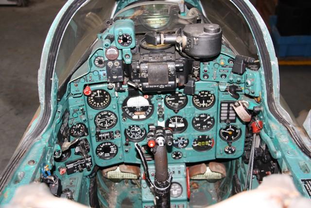 MIG-21-UM-6