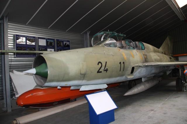 MIG-21-UM